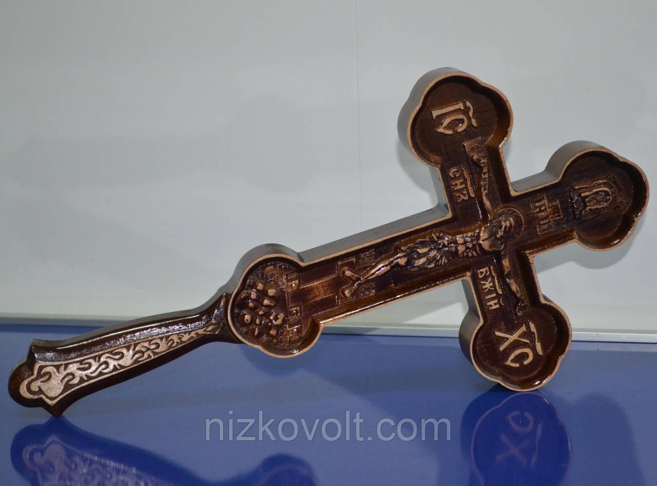 Животворящий резной крест из дерева