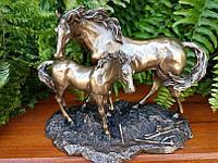 Коллекционная статуэтка Veronese Лошадь с жеребенком WU68146A1