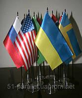 Настольные флажки и флаги