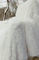 Пушистое меховое покрывало  на кровать белое
