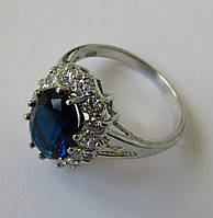 Кольцо с натуральным кварцем, овал (11х8мм) и топазами
