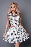 Белое короткое платье в горошек, с поясом