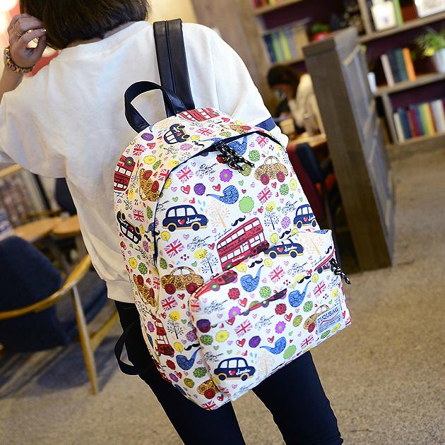 Стильный рюкзак с штампами
