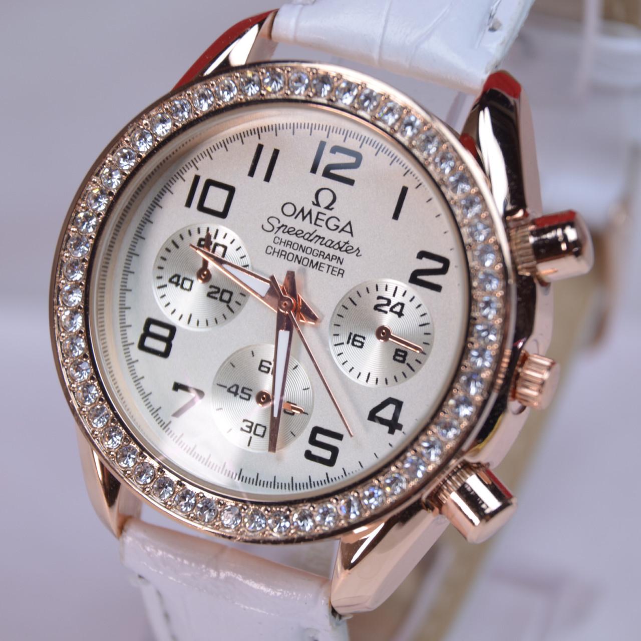 Женские наручные часы кварц белый ремешок