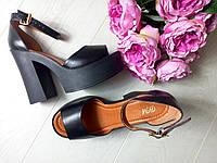 Босоножки на толстом каблуке полностью кожаные