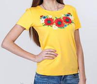 Жёлтая футболка с красными маками