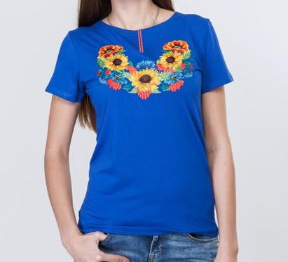 Яркая футболка на лето в этническом стиле