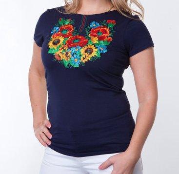 Женская футболка-вышиванка с букетом полевых цветов