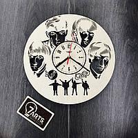Бесшумные настенные часы из березы «Легенда рока»