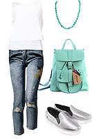 Образ с джинсами и белой майкой