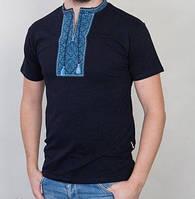 Чёрная футболка с голубым орнаментом