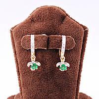 Серьги-кольца с зеленым камнем