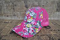 Женская бейсболка с цветочным принтом.  Розовая
