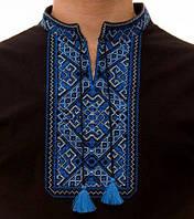Мужская вышитая футболка с синим орнаментом