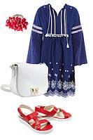 Образ с синим платьем и красными босоножками