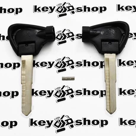Ключ с магнитами для мотоцикла Yamaha (Ямаха) лезвие правое с упороми, фото 2