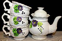 Красивый чайный набор с фиалками