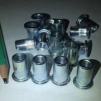 Гайка клепальная с буртом рифлёная М6 стальная оцинкованная ТАНТАЛ сталь 10