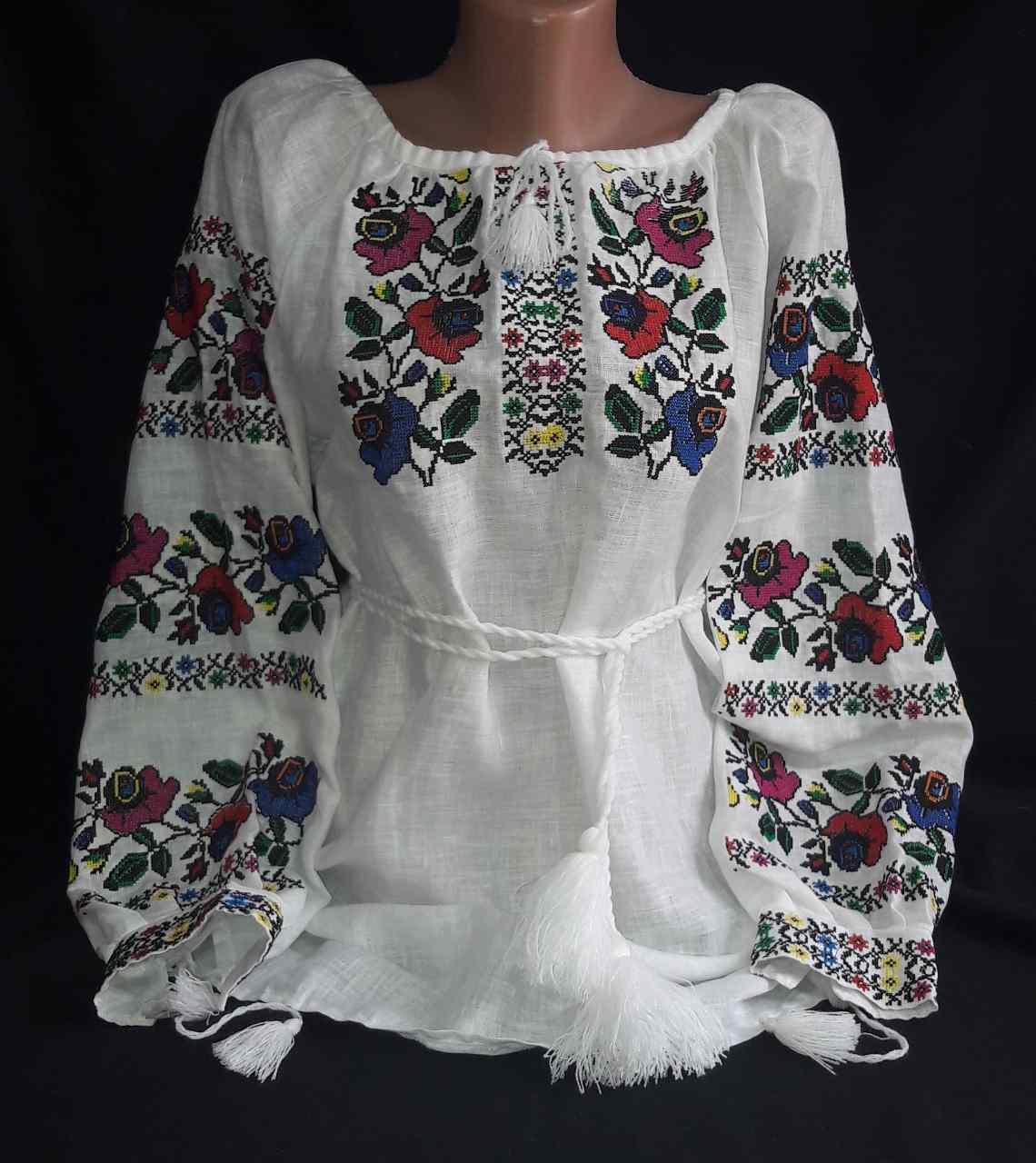 Женская вышиванка на натуральном выбеленном льне Казкова