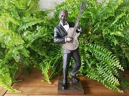 Коллекционная статуэтка Veronese Гитарист, серия Джазовые музыканты 76221A4