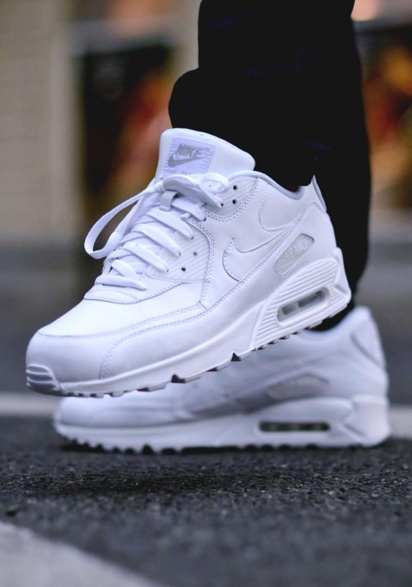 Nike Air Max 90 Leather All White. Стильные кроссовки. Интернет магазин  оригинальной обуви. eb4a7dfc0662c