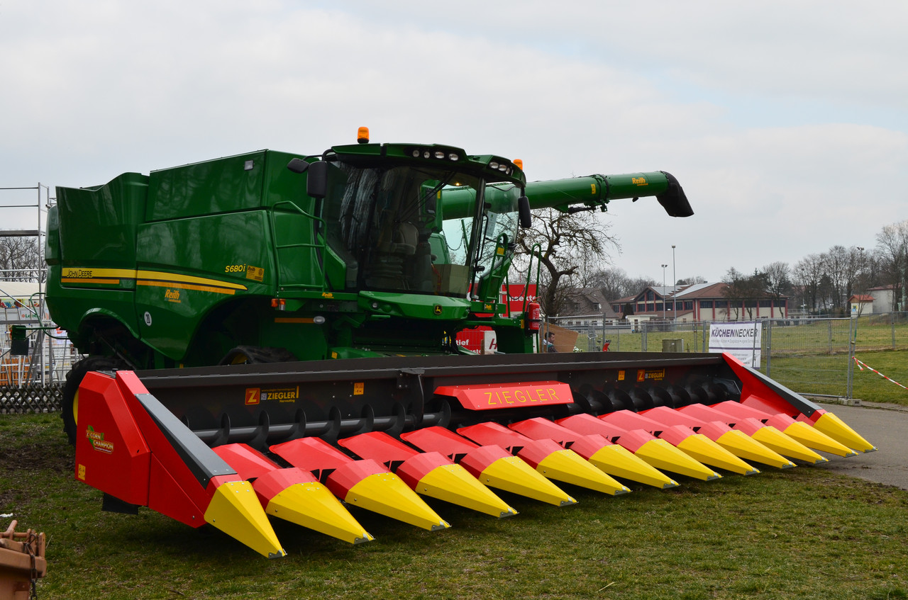 Жатка для уборки кукурузы CC12S «CORN CHAMPION»