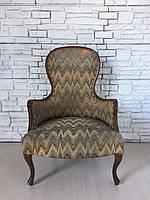 Итальянское старинное мягкое кресло.