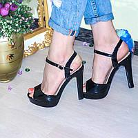 Босоножки на каблуке материал : эко - лак цвет: черный