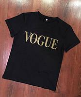 Женская черная футболка Vogue 3П35