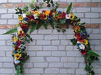 Гирлянда из искусственных цветов в национальном (кантри)стиле