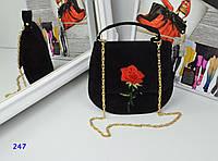 Стильная женская велюровая черная сумка с вышивкой тренд 2017