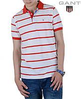 Белая мужская футболка в тонкую красную полоску.