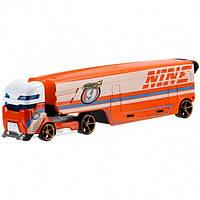 Hot Wheels Трейлер автовоз с машинкой Супермагистральный экскаватор Super Rig Speedway Hauler