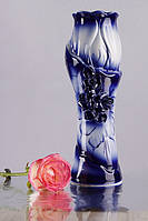 Ваза синяя с розами