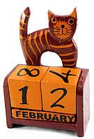 """Календарь настольный """"Кот"""" дерево красный (14,5х10х5,5 см)"""