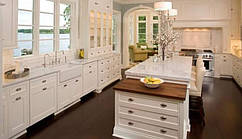 Мебель для кухни из натурального дерева