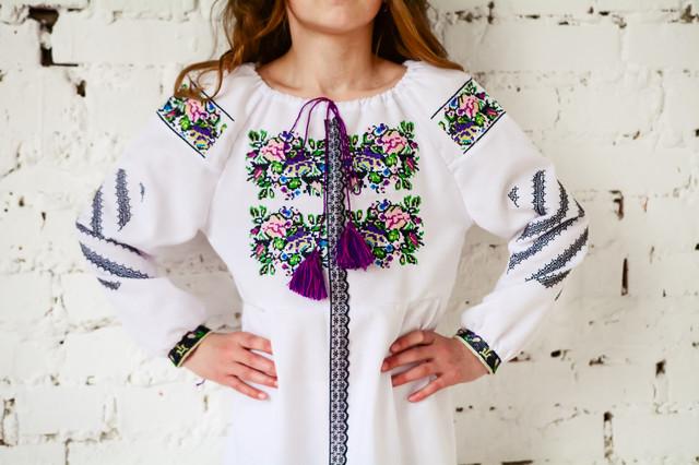 Вишите біле плаття для дівчинки з мереживом от Интернет-магазина ... 4472ca04c2956