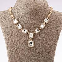Колье с белыми кристаллами 8 камней L-52см золотистый металл