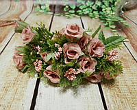 Букет роз  цвет чайная роза с добавкой