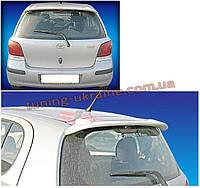 Спойлер над стеклом под покраску на Toyota Yaris 2005-2011