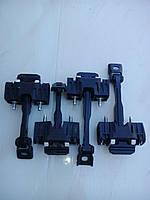 Доводчики-ограничители дверей ВАЗ 2190-2192 Гранта