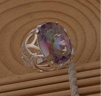 Солидное женское кольцо с мистик топазом