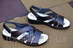 Босоножки, сандалии женские на танкетке легкие искусственная кожа на липучке черные. (Код: 781)