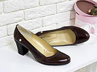 Туфли из натуральной кожи кориченвого цвета на удобном небольшом каблуке