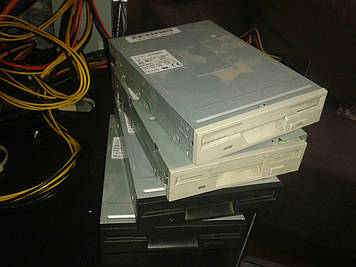 Floppy дисковод