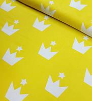 Хлопковая ткань польская белые короны крупные на желтом