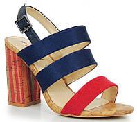 Польские босоножки разных цветов на каблуке