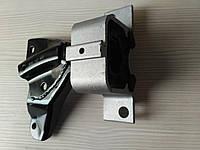 Подушка двигателя Dacia Logan  1.4 1.6  (6001547893) верхняя правая