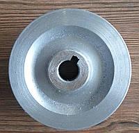 Шкив приводной к роторной ременной косилке (d-90 mm, под шпонку, цельноточенный)
