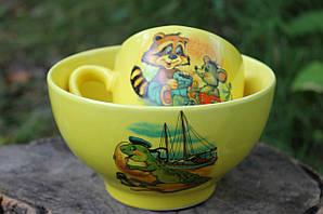 Желтый набор посуды для детей